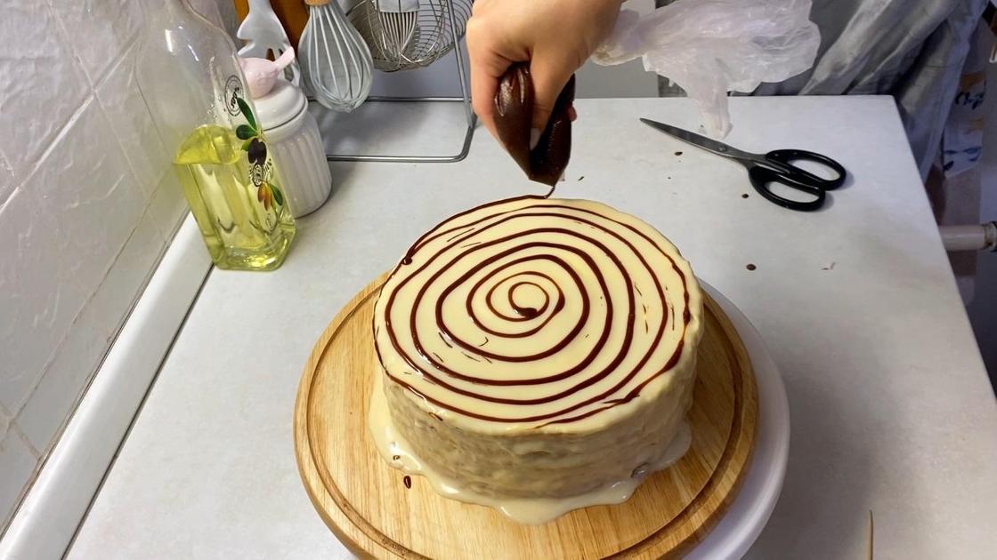 Оформление торта шоколадом