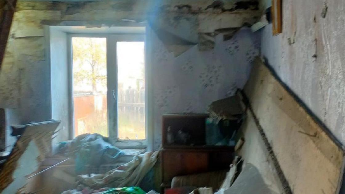 Крыша дома обрушилась в Акмолинской области