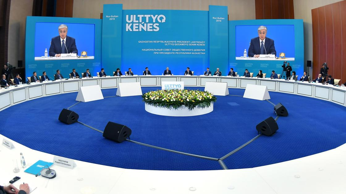 Эксперт о событиях в Беларуси: Казахстан пошел по другому пути
