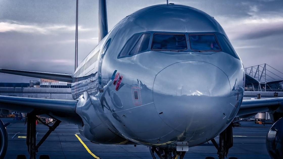 Самолет на ВПП