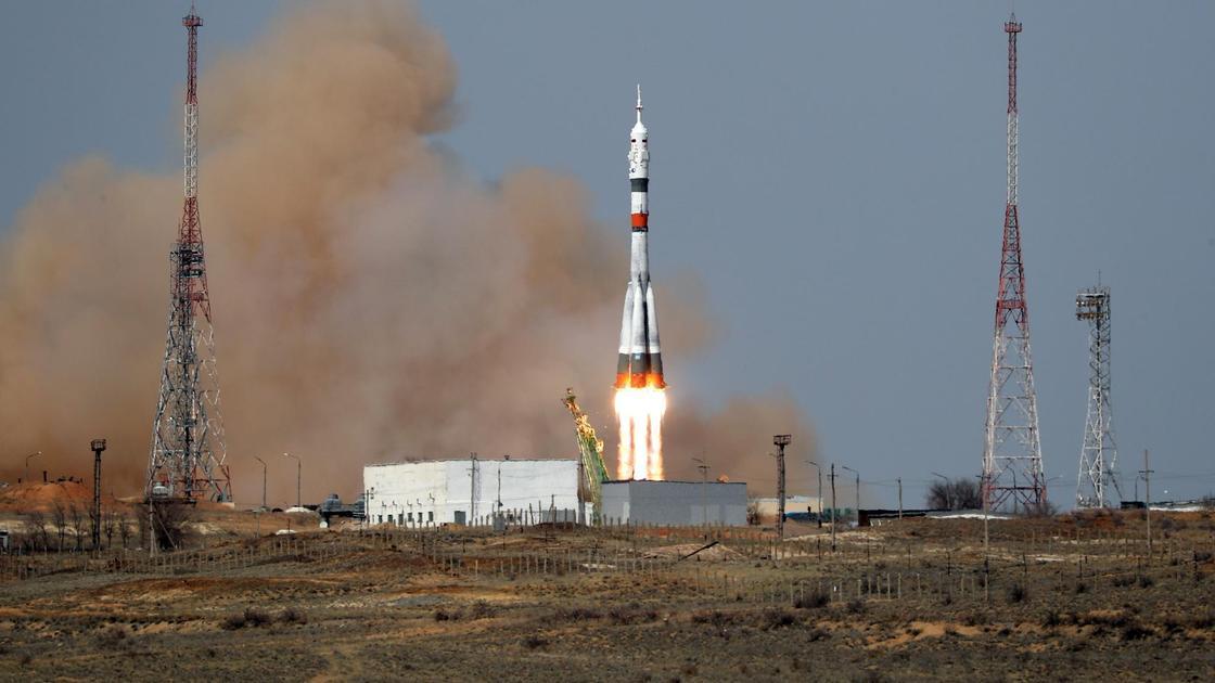 Ракета взлетает на Байконуре