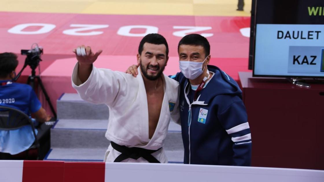 Темиржан Даулет с тренером