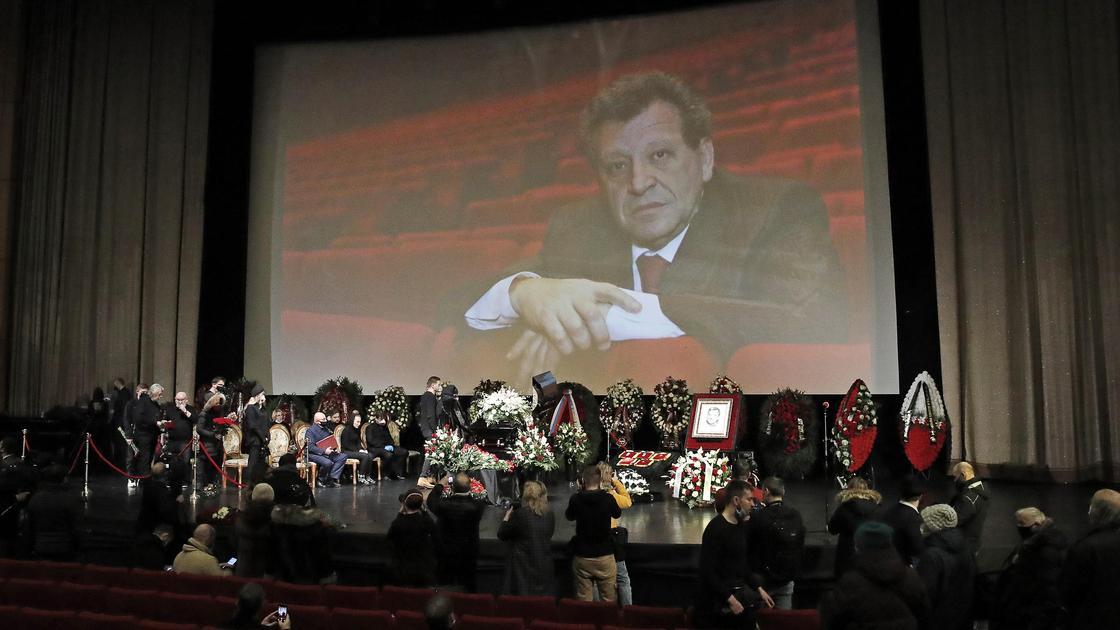 Церемония прощания с Борисом Грачевским