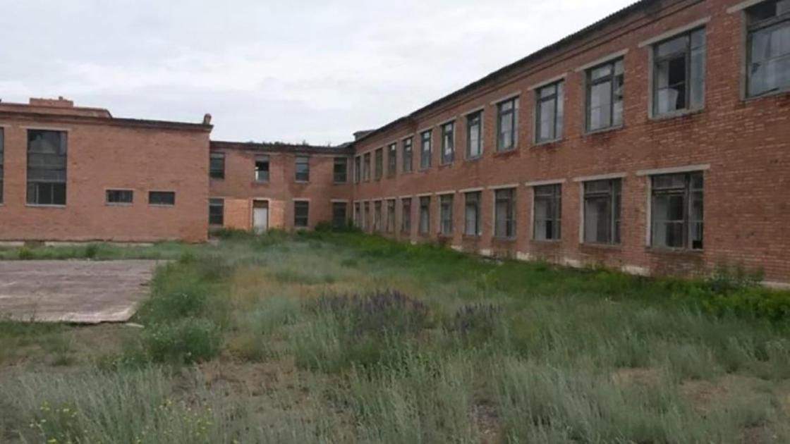 Проданное за 22 млн тенге здание школы в ВКО