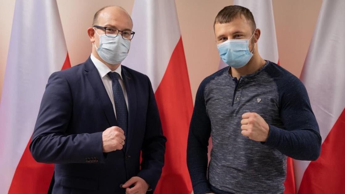 Маршал Подляского воеводства Артур Косицки и боксер Камил Шеремета