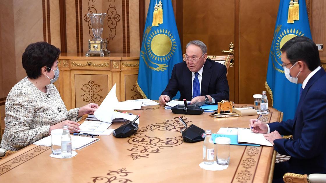Нурсултан Назарбаев и Куляш Шамшидинова