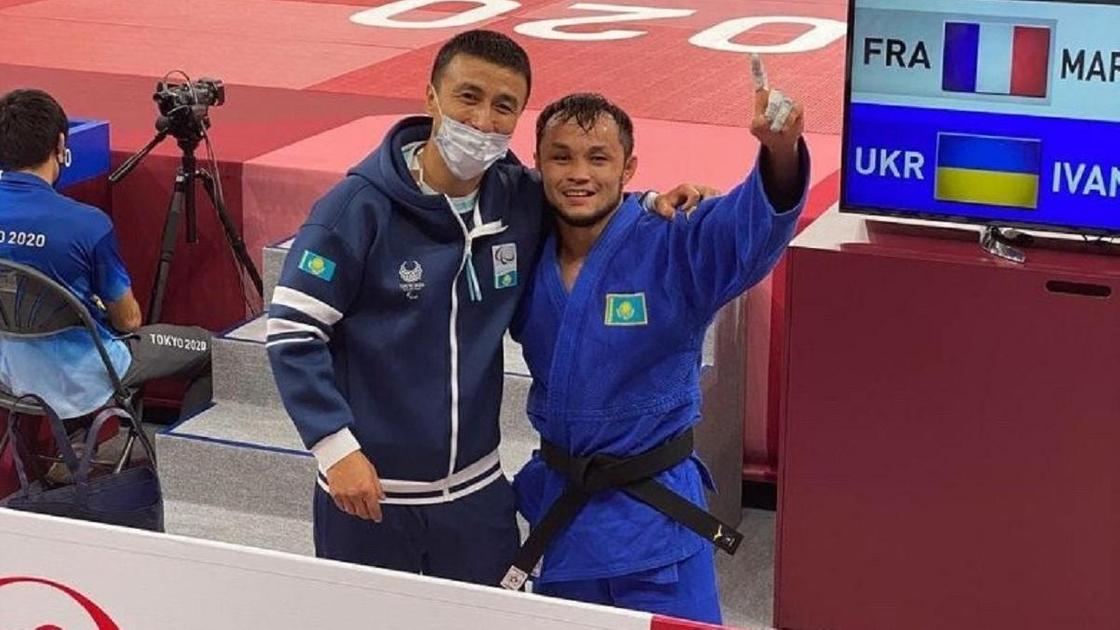 Ануар Сариев с тренером