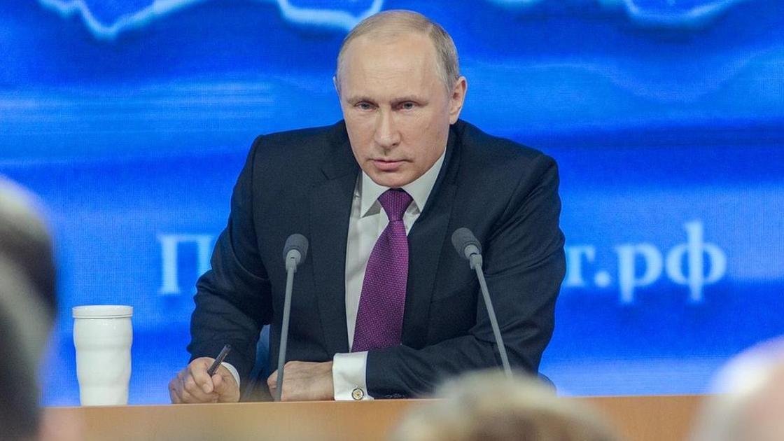 Рейтинг Путина снова снизился, несмотря на новую методику ВЦИОМ