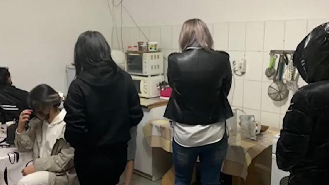 Проститутки в Алматинской области