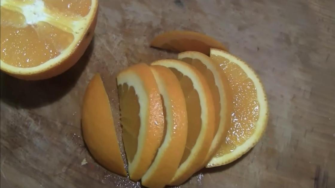 Нарезанный лимон