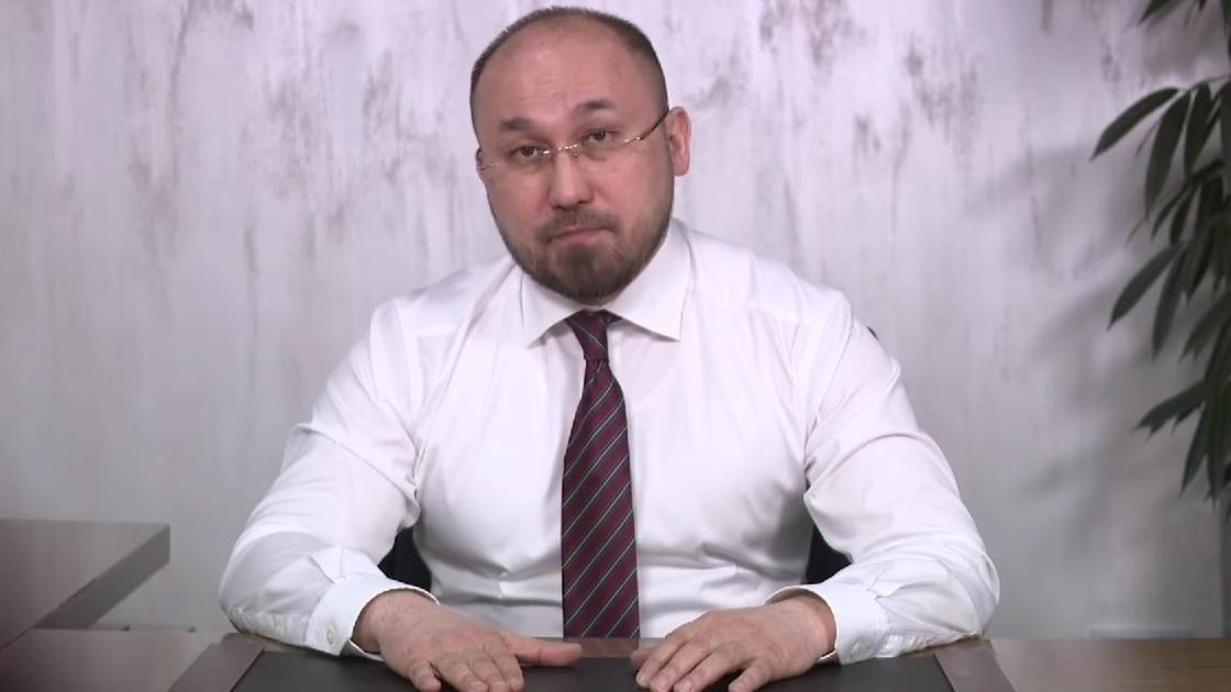 Даурен Абаев. Фото кадр из видео на странице Даурена Абаева в Facebook