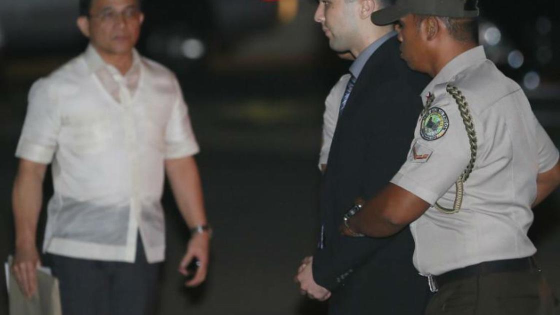 Джозеф Пембертон во время ареста