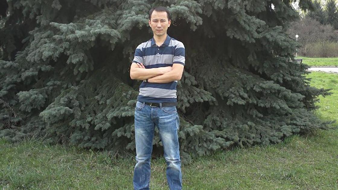 Бортпроводник Мурат Сахов