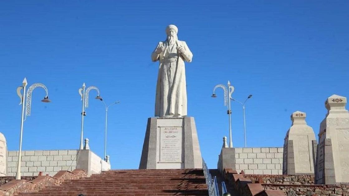 Памятник Аулие-ата
