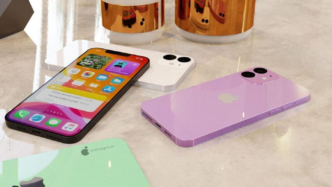 Смартфоны лежат на столе
