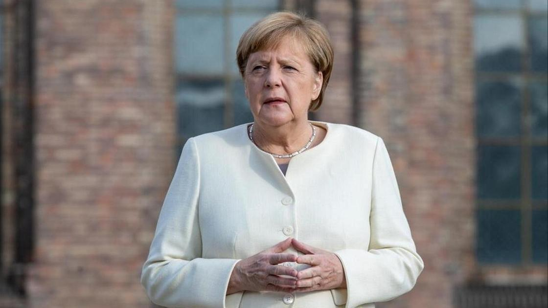 Меркель1
