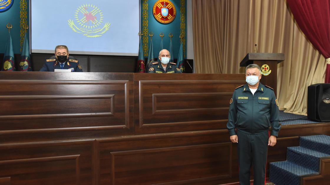 Тургумбаев представил Сералиева личному составу