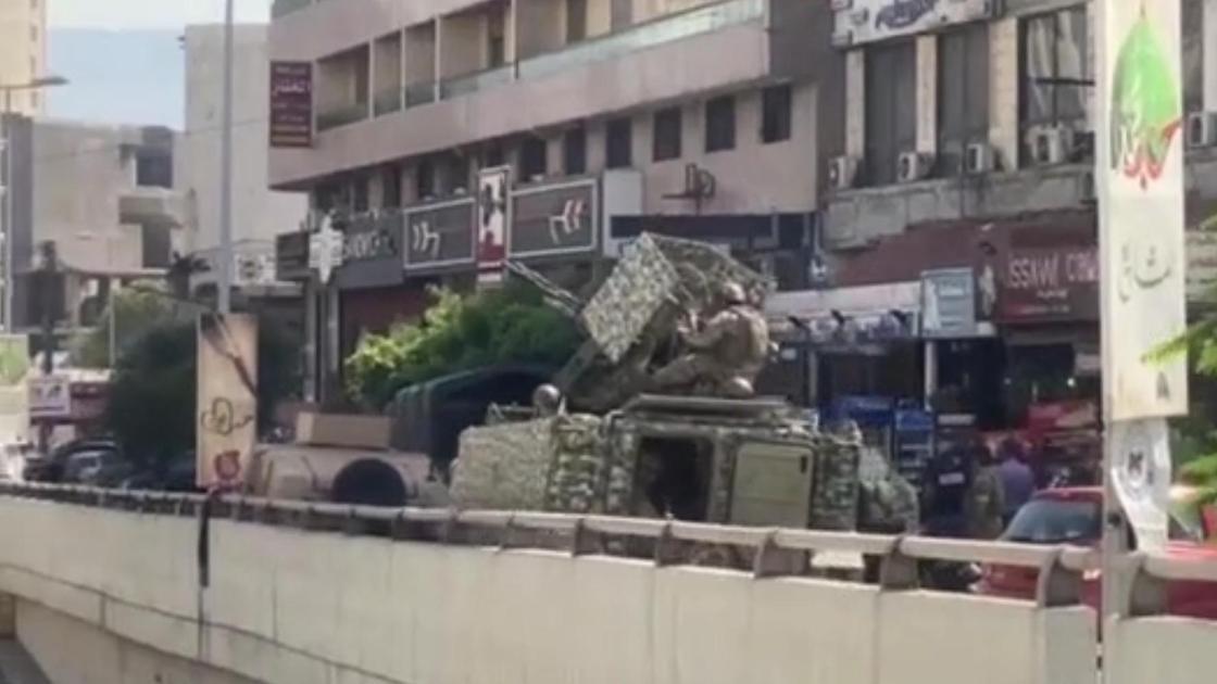 Военные в Бейруте на месте взрыва