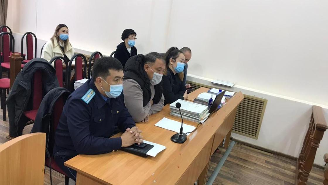 Зал суда в Уральске