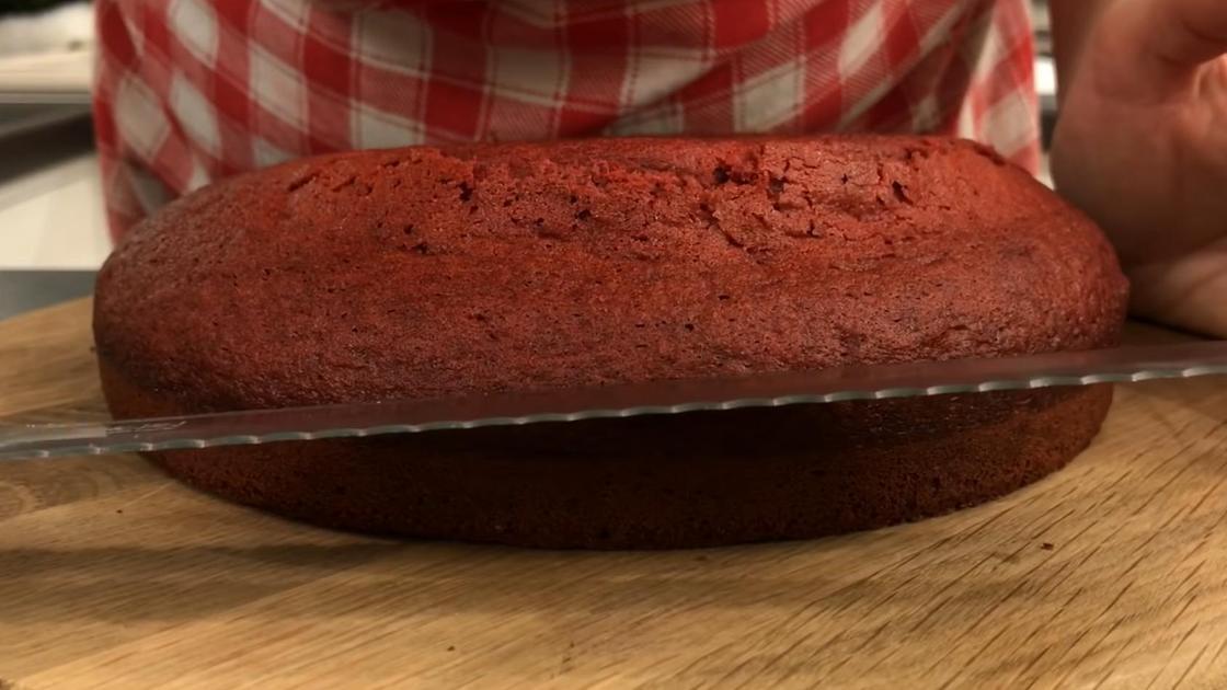 Коржи для торта Красный бархат с ножом