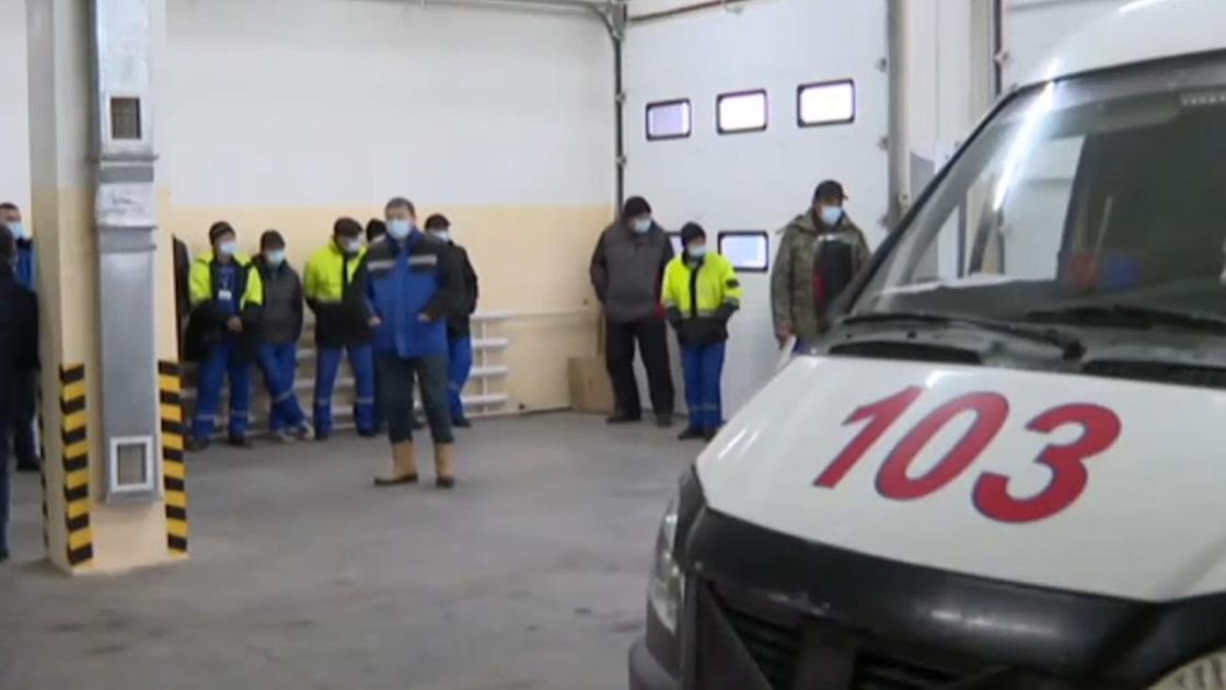 Работники скорой помощи