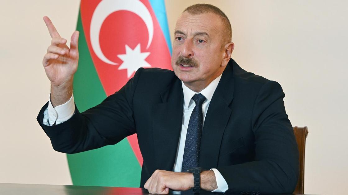 Ильхам Алиев выступает