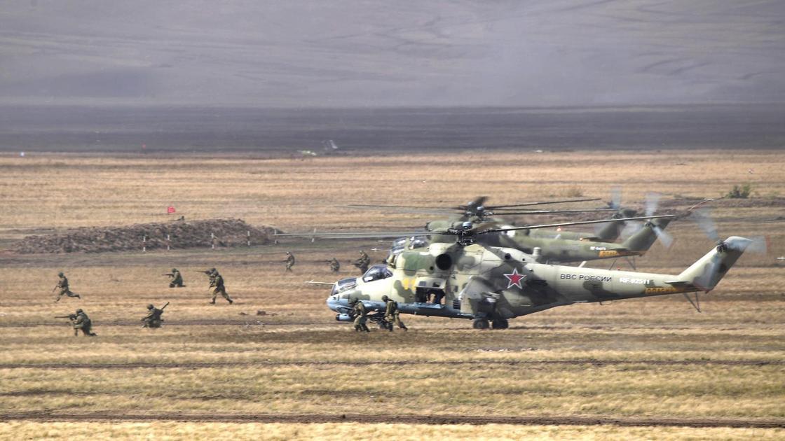 Россия проведет масштабные военные учения у границы с Казахстаном