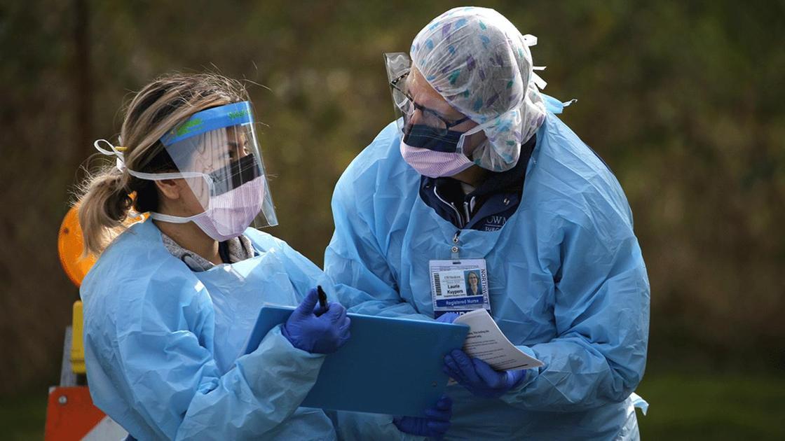 Медики в средствах индивидуальной защиты