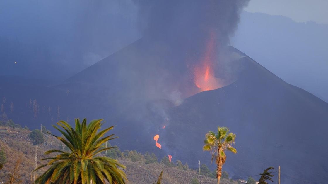 Извержение вулкана на Канарах