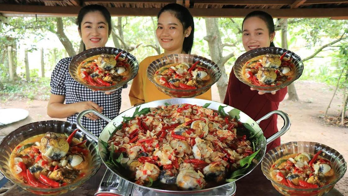 Балют, приготовленный с перцем и овощами