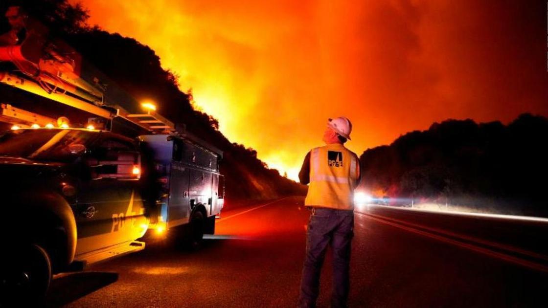 Пожарный, лесные пожары в Калифорнии