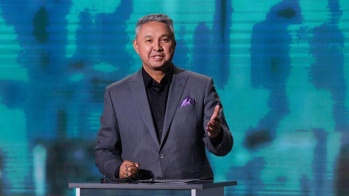 Перуашев: Каждый казахстанец должен иностранному «дяде» 9 тысяч долларов
