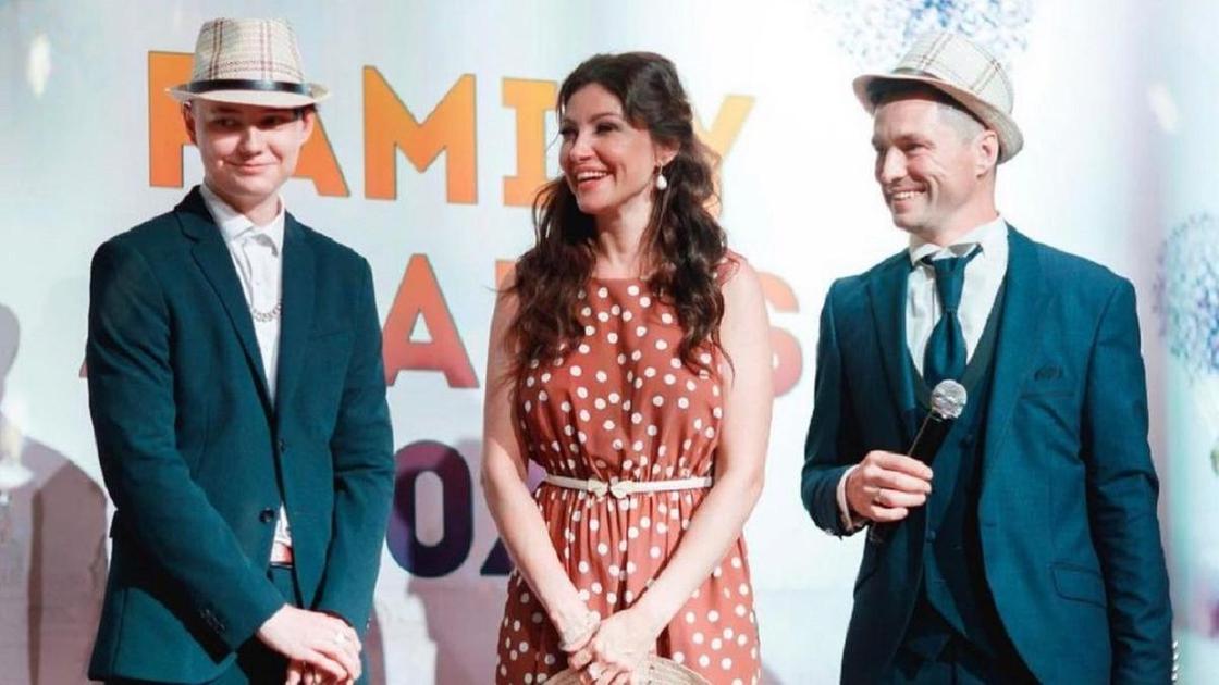 Анастасия Макеева с мужем и пасынком
