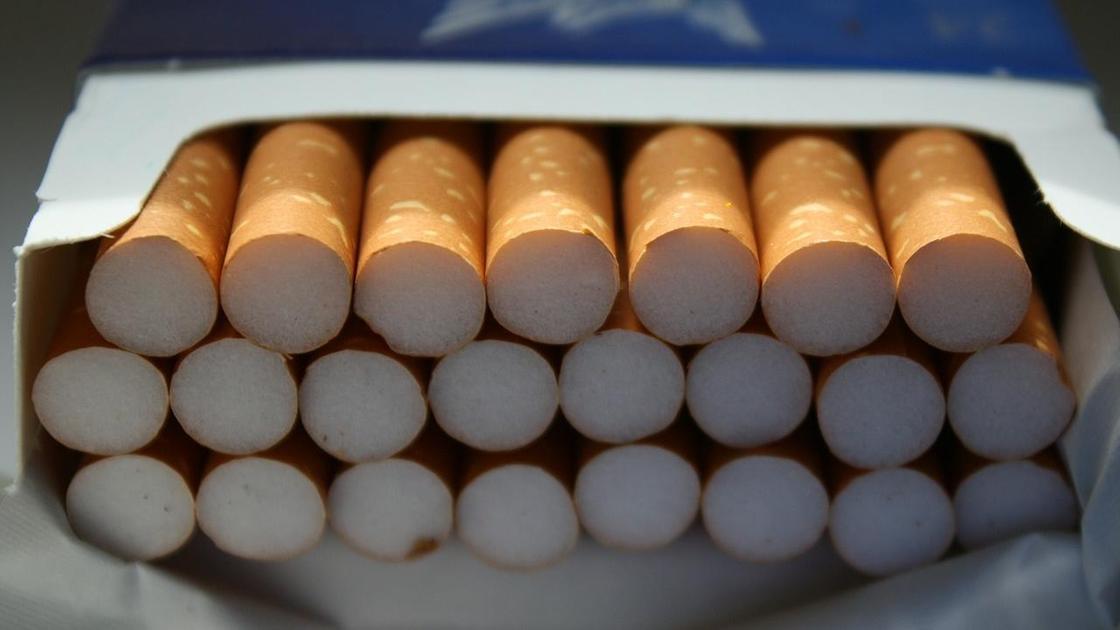 Сигареты лежат в пачке