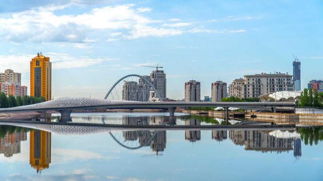Вид на мост в Нур-Султане