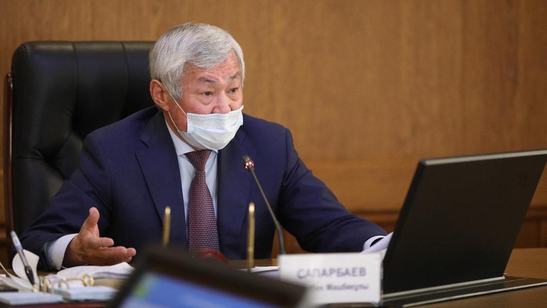 «Это ведь позор!»: Сапарбаев о подготовке школ к отопительному сезону