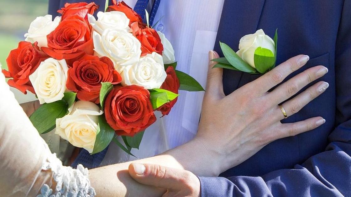Чиновница женила мужчину, пока он был без сознания