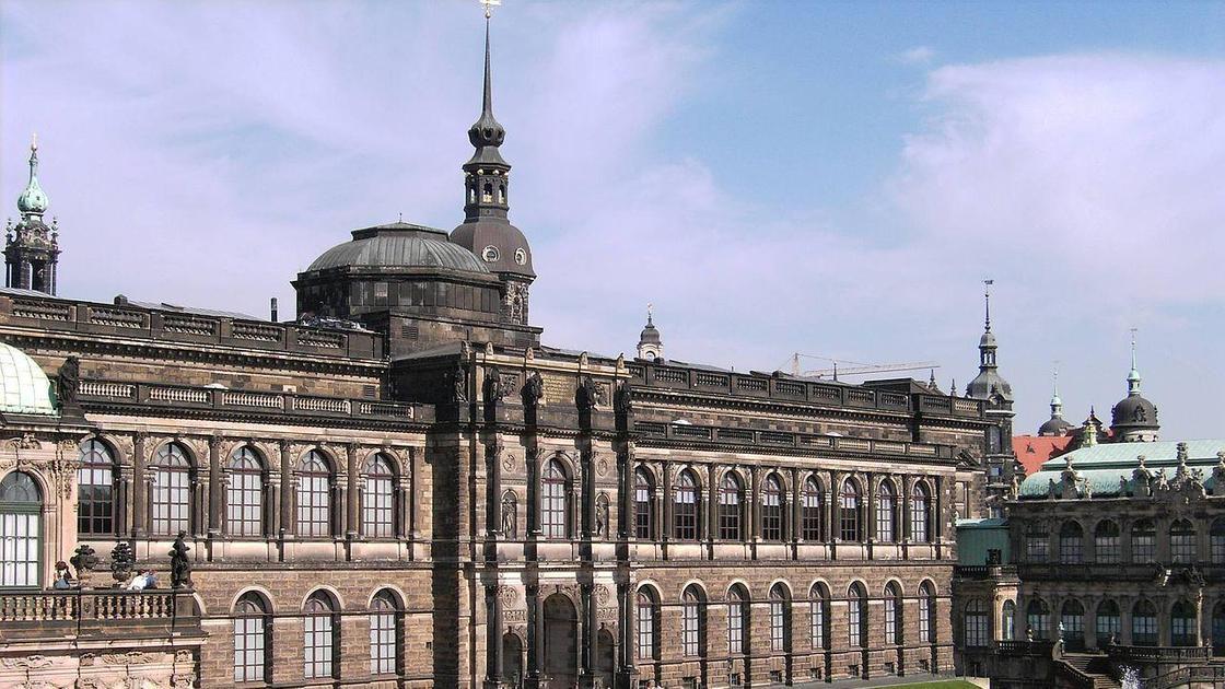 здание Дрезденской картинной галереи