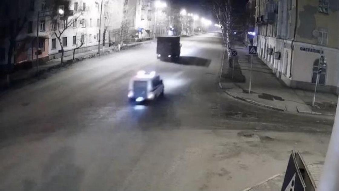 Полиция преследует грузовик