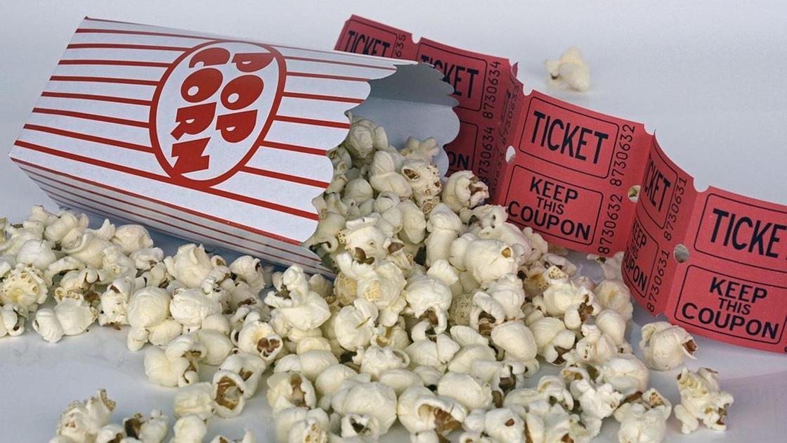 попкорн и билеты