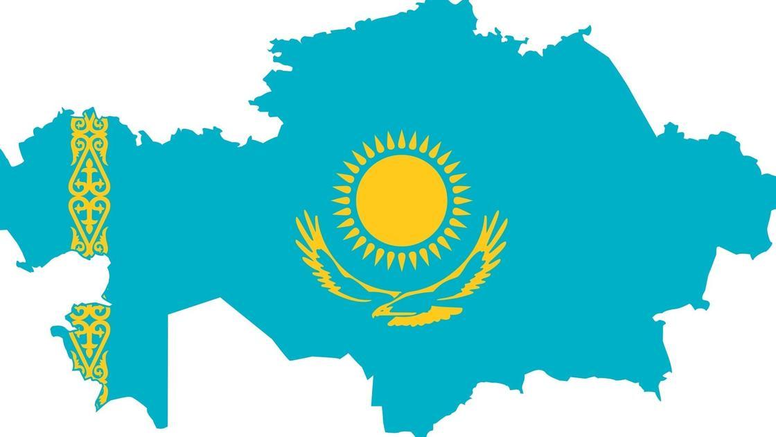 Казахстан (флаг на фоне очертаний страны)