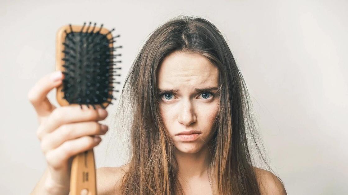 Выпадение волос, средство от нехватки витаминов для волос