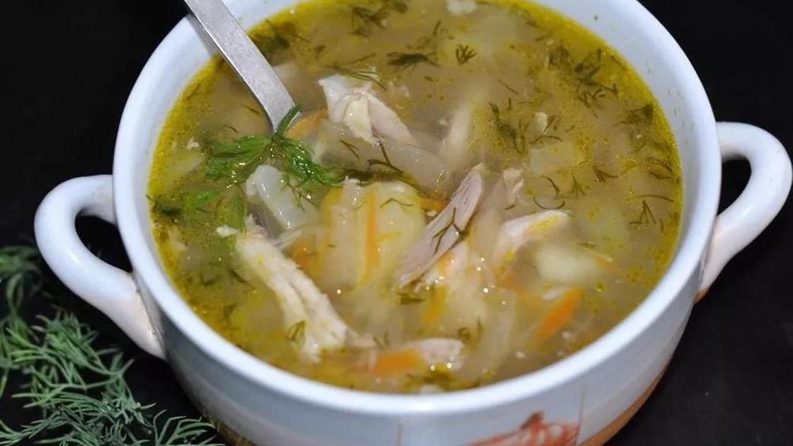 Суп рассольник с курицей и рисом