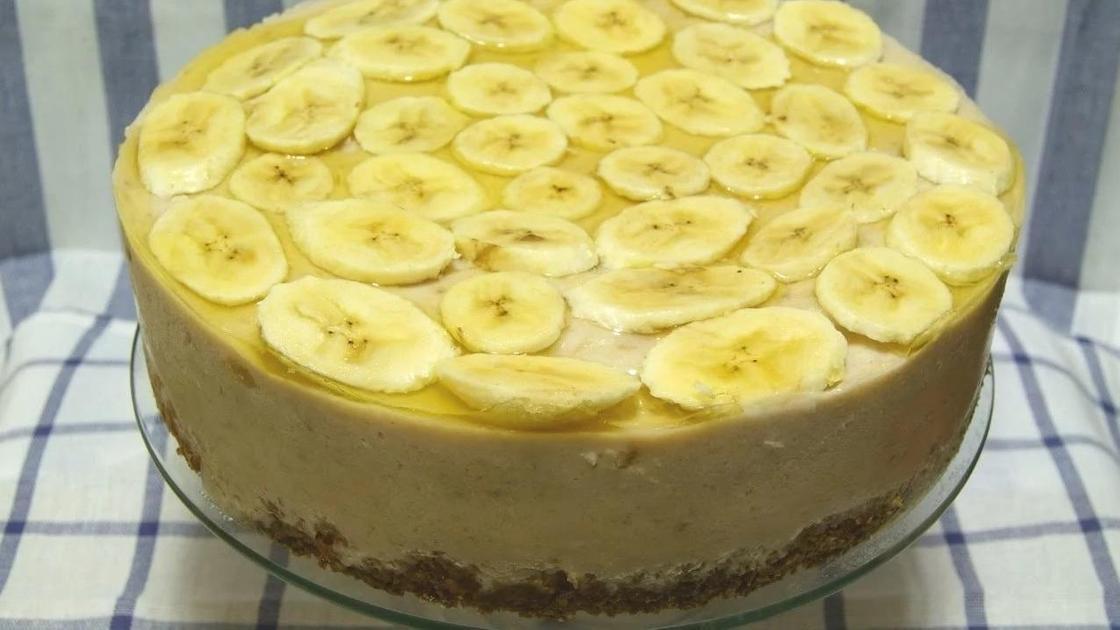 Творожный торт без выпечки с бананами