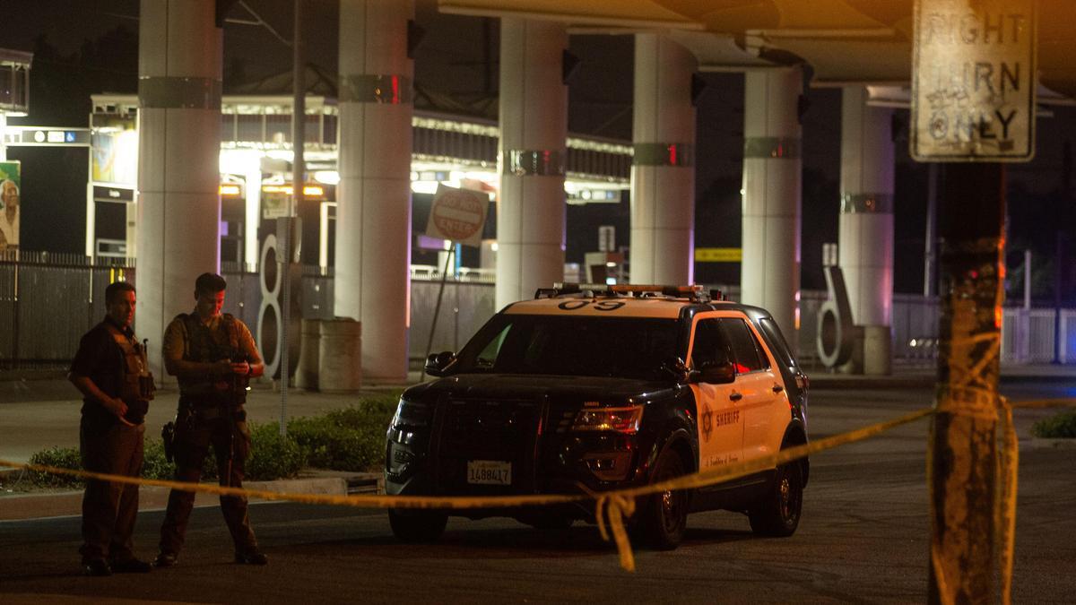Расстрел полицейских в США был местью за стрельбу полиции в афроамериканцев, заявили СМИ