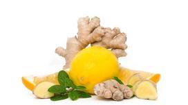 Корень имбиря и лимон