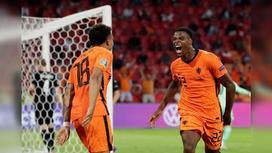 Дензел Дамфрис забивает второй гол на Евро-2020