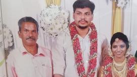Сурадж Кумар с женой Утрой