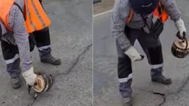 Чайником заливают щели на дороге в Атырауской области