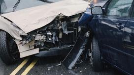 Автомобили попали в аварию
